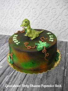 Tort z dinozaurem na urodziny chłopca