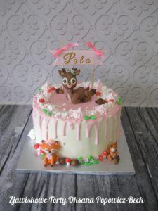 Tort ze zwierzętami z bajki leśne opowieści
